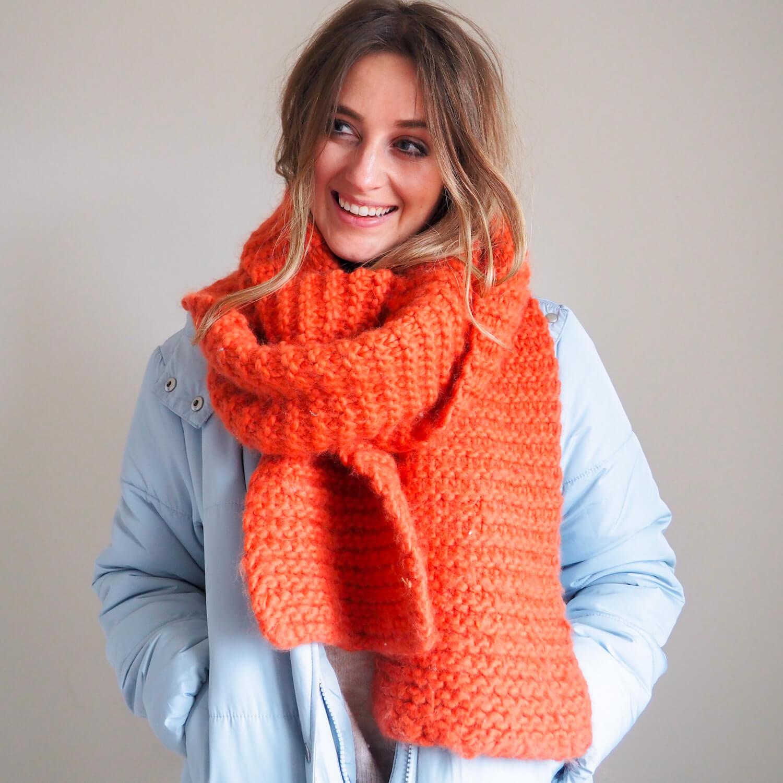 cinnamon beginners chunky knit scarf knit kit pattern lauren aston designs 1